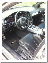 Gewohntes Audi Cockpit ergänzt um MTM Attribute
